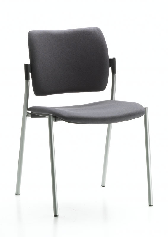 Chaise AMETS assise tapissée et dossier polypro noir.